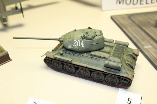 5-PTomczak-T-34-85 1