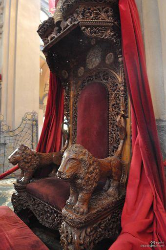 tron cesarski w katedrze św. Trójcy