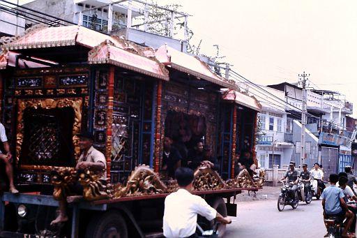 33-Saigon Funeral