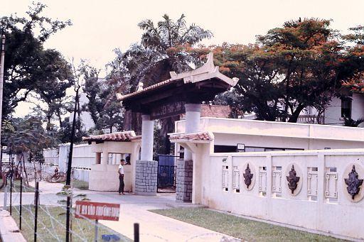 42-Saigon Cathedral-1