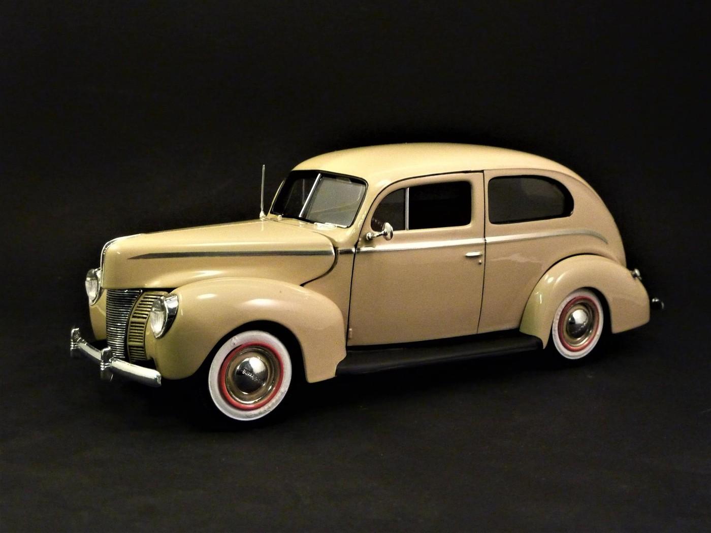 Ford Tudor Sedan 1940 restaurée  Photo39-vi